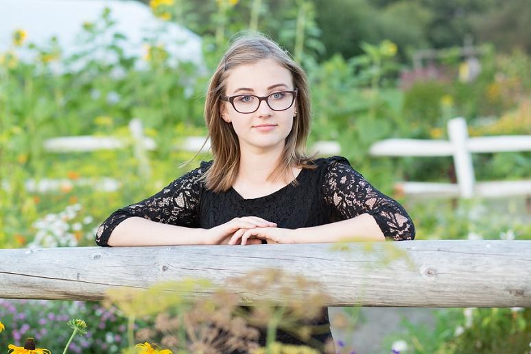 Bangor Maine Senior Portrait Photographer George Stevens Academy Blue Hill Glamour Pictures