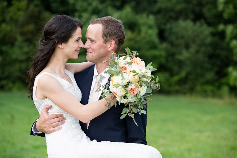 Backyard Maine Wedding Photographer:</br>Sarah and David